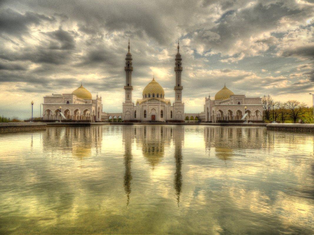 Белая мечеть - Алексей Гладышев