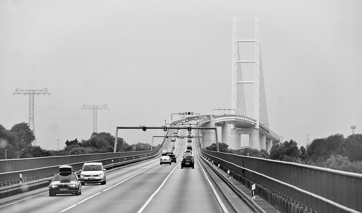 Мост на остров Рюген. Германия. - Dan Berli