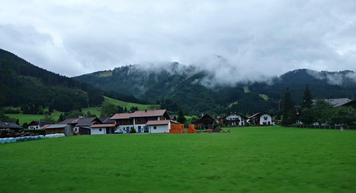 Утро в Баварских Альпах, проездом... - Galina Dzubina