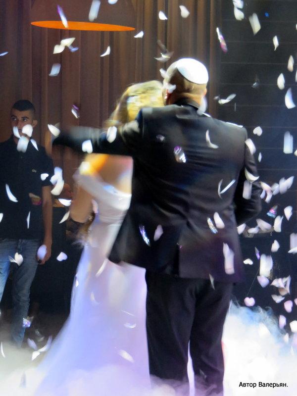 Свадьба, первый танец - Валерьян Запорожченко