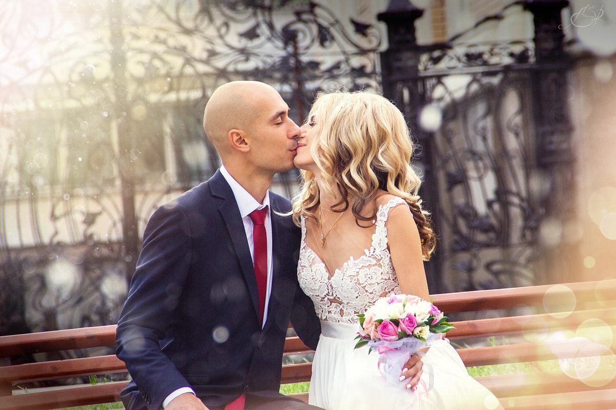 нежный поцелуй - Александра Ломовцева
