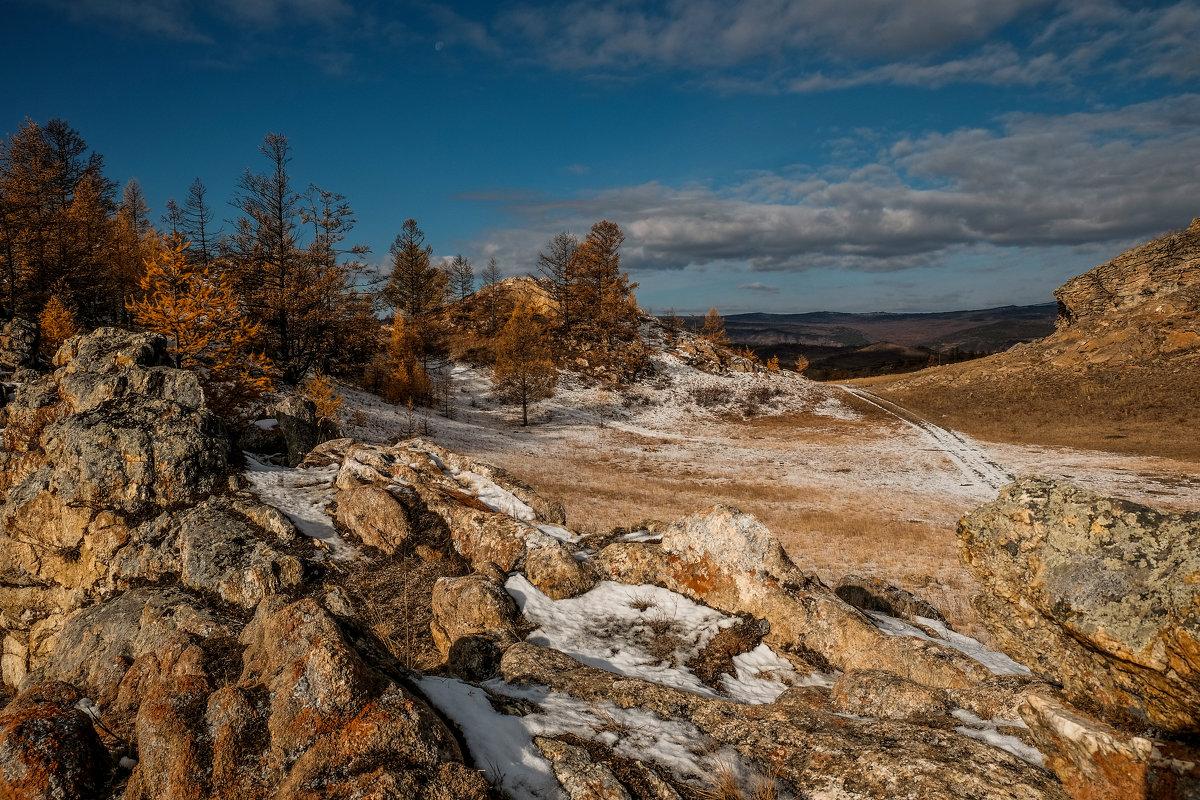 На холмах Тажеранской степи. Прибайкальский национальный парк. - Rafael