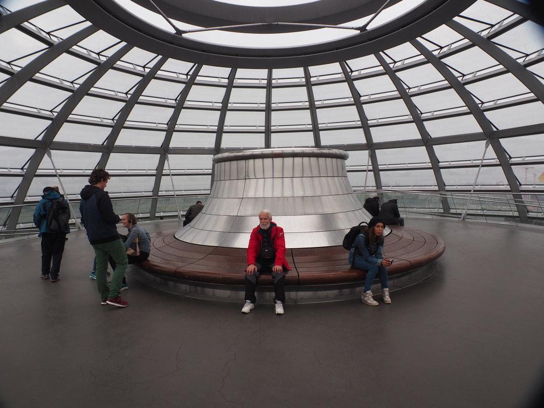 Под куполом Рейхстага - Odissey