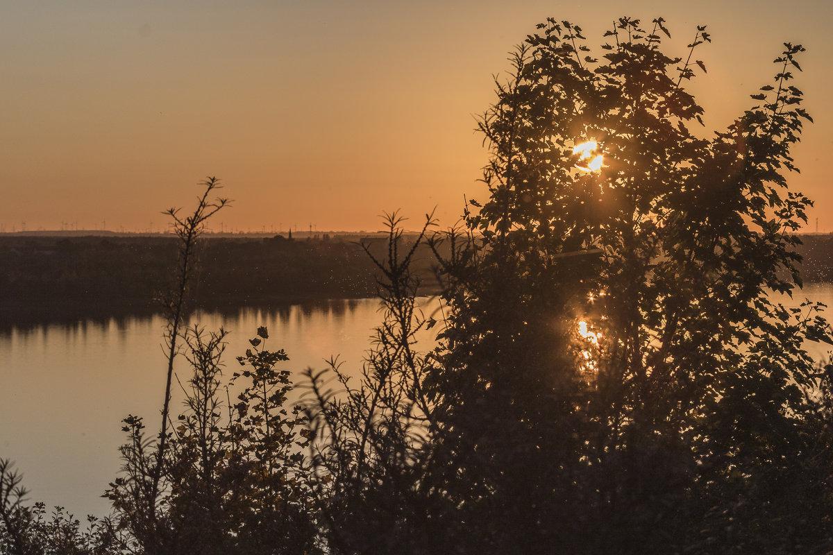 Закат на озере - Денис Косенюк