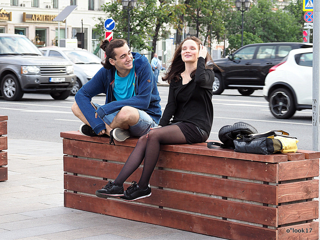 в кафе или в кино - Олег Лукьянов