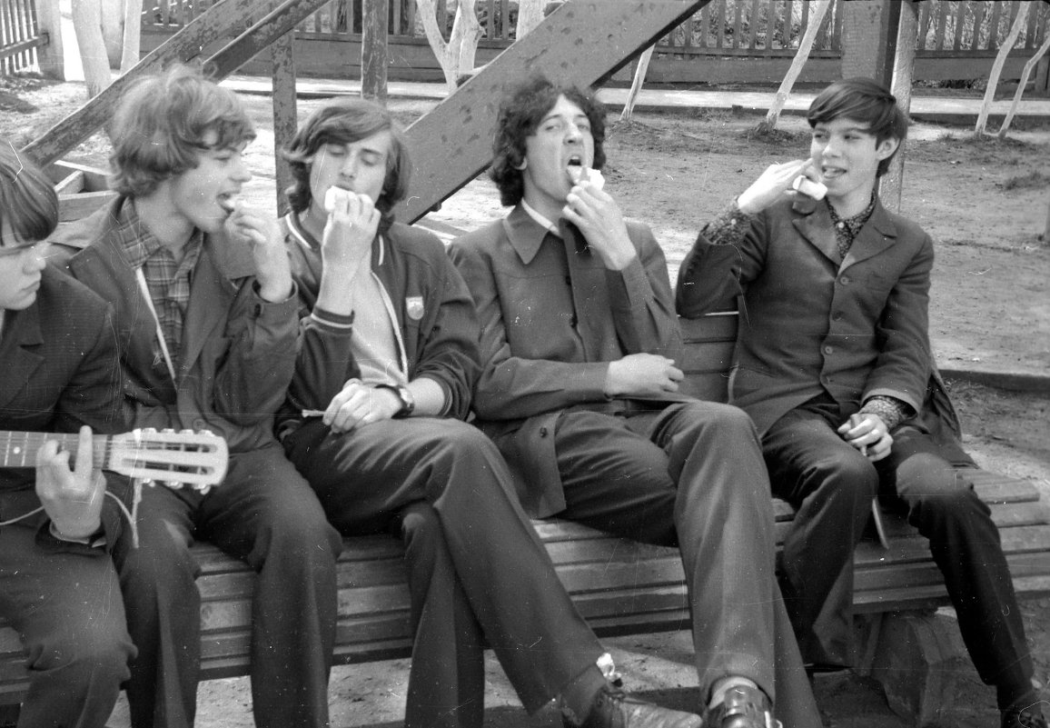 А у нас во дворе.... 1974 (май) - Игорь Смолин
