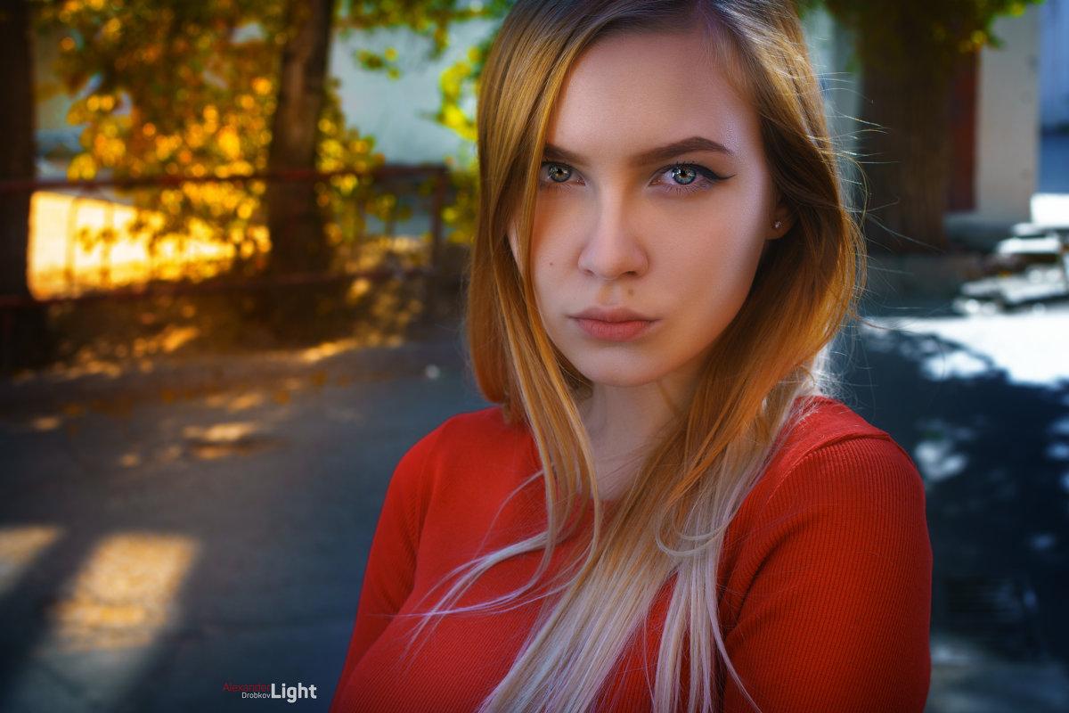 Интригующая Полина - Александр Дробков