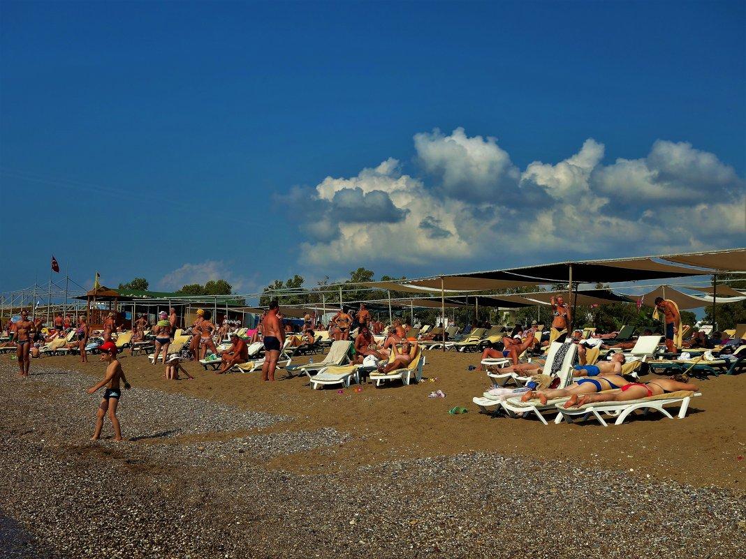 На нашем пляже... - Sergey Gordoff