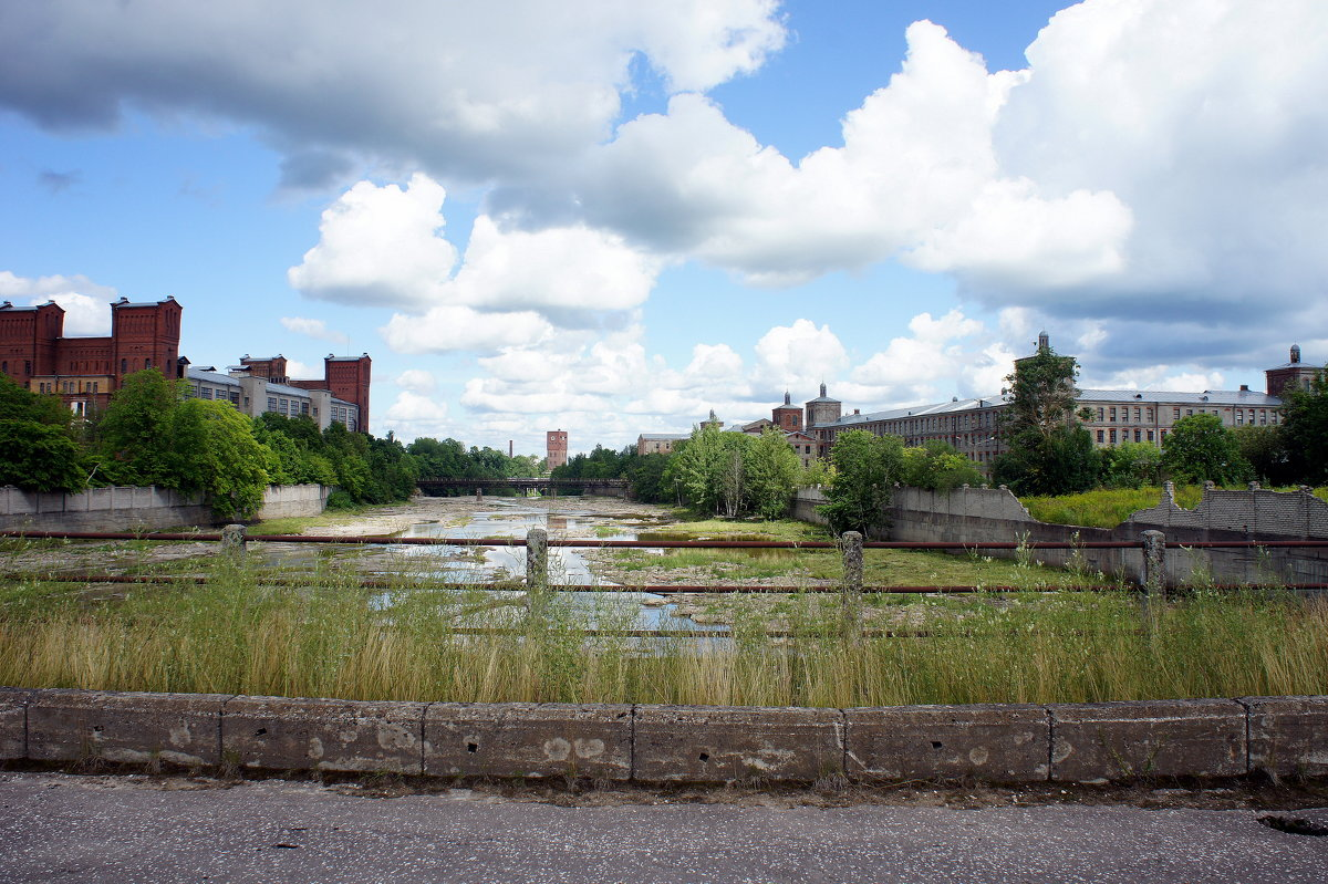 Вид с южного моста на  Кренгольм и нарвский  рукав старого русла - Елена Павлова (Смолова)
