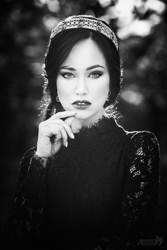 Dark Queen - Дмитрий Авдеев