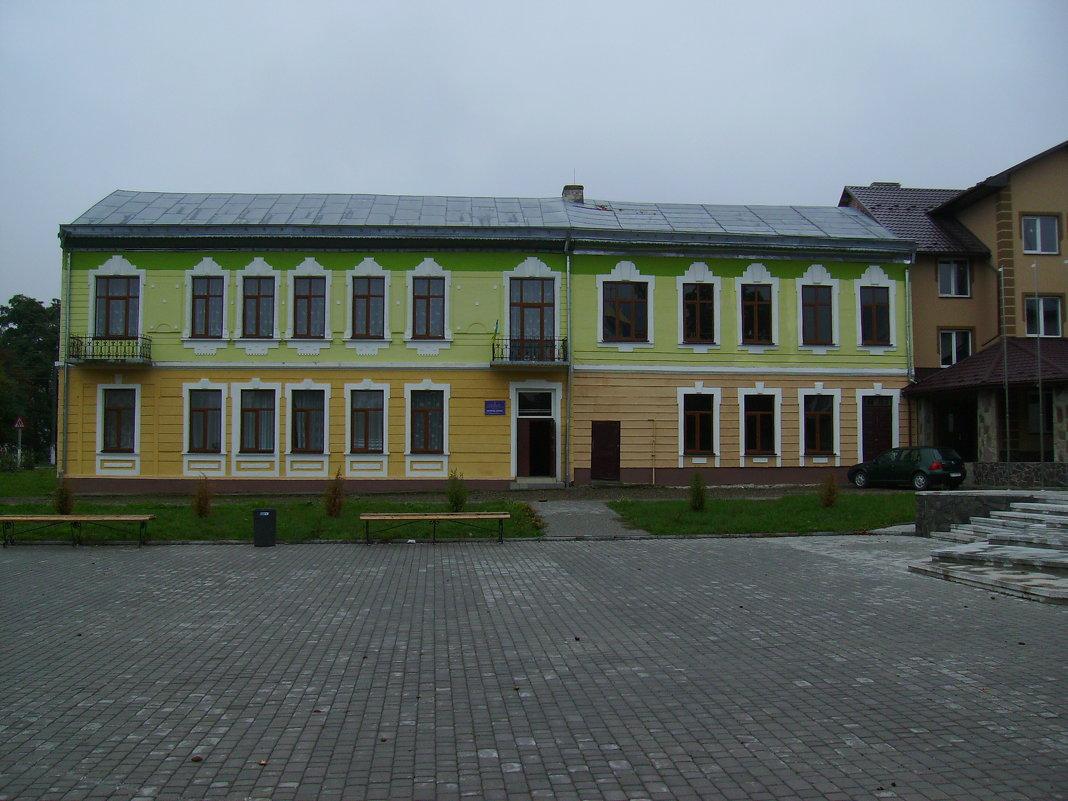 Административное   здание   в   Отыние - Андрей  Васильевич Коляскин