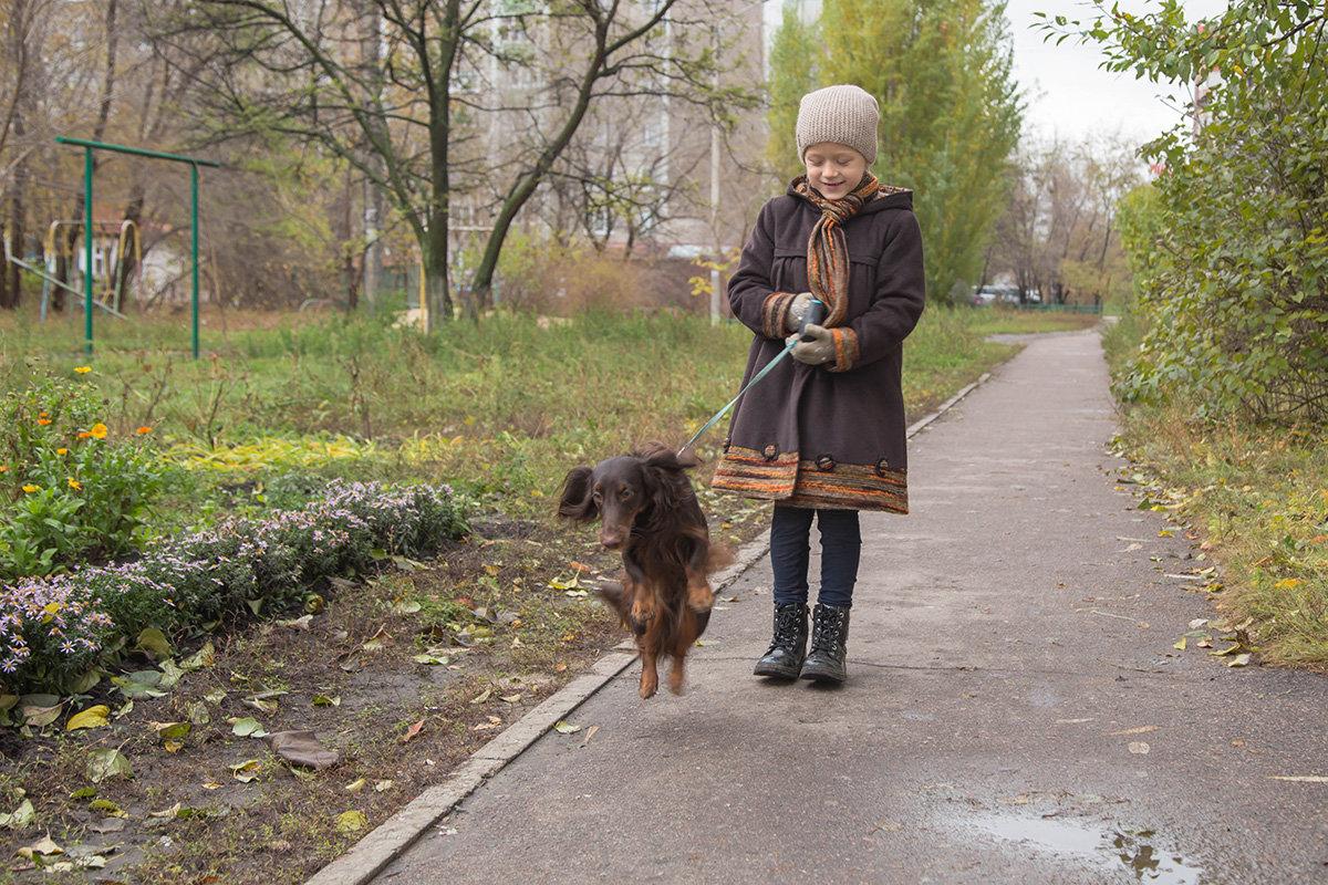"""... А люди посмотрят и скажут - собаки летят - вот  и осень... "" - Елена Ахромеева"
