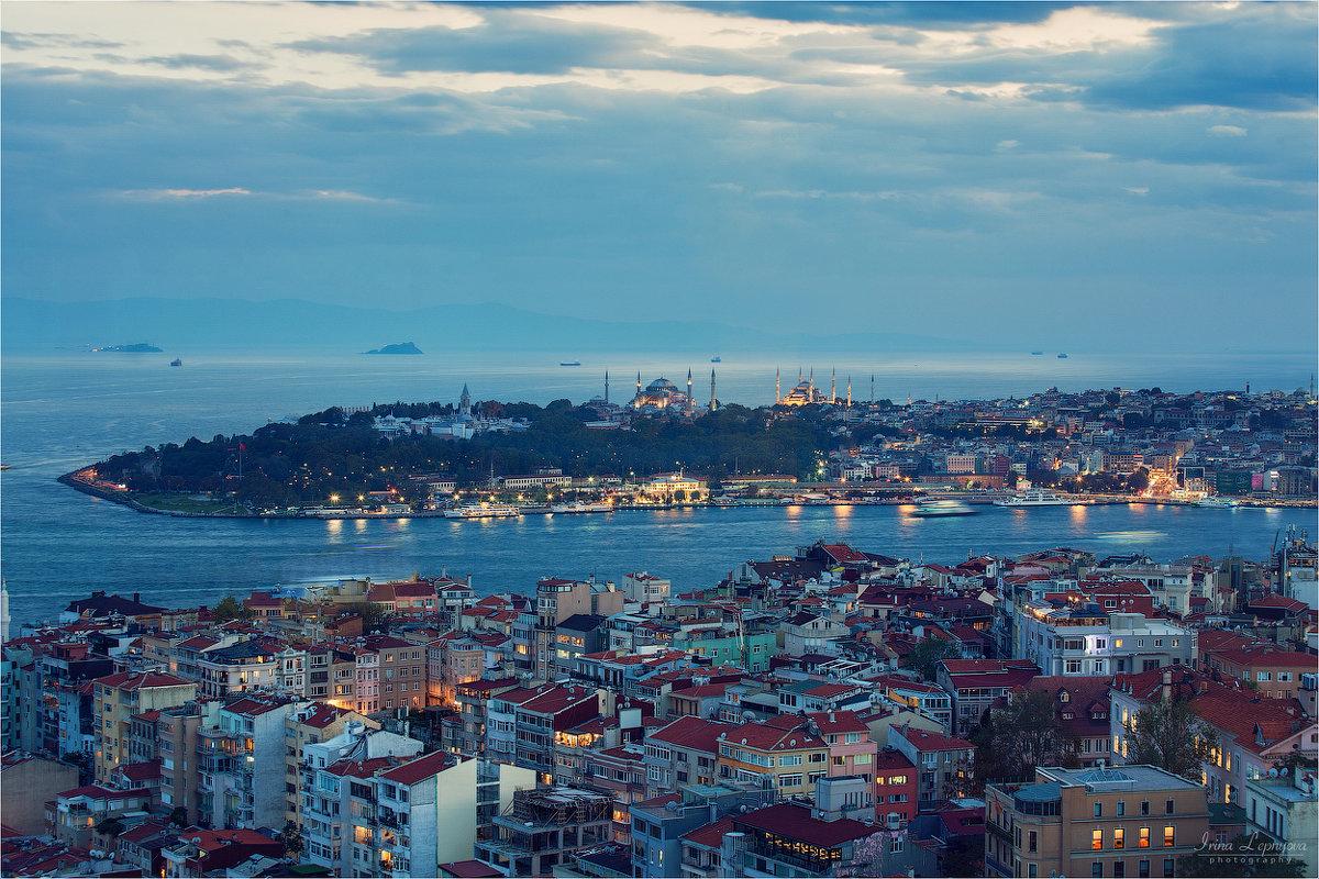 Стамбул. Вид на исторический полуостров - Ирина Лепнёва