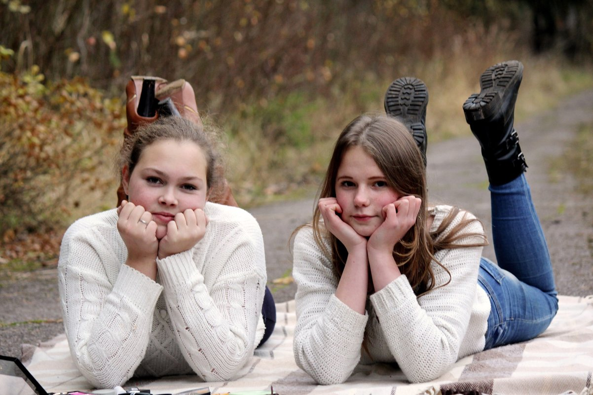 Милашки Алина и Дарья - Виктория