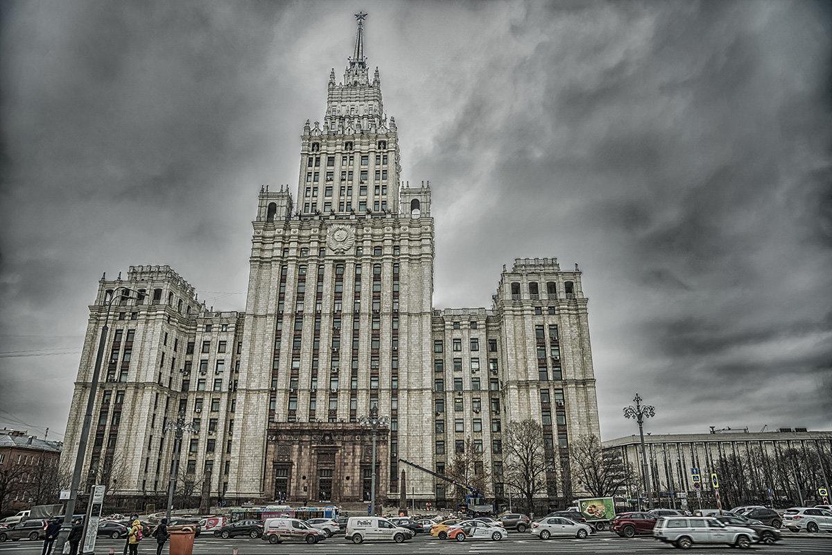 Сталинская высотка - Игорь Герман