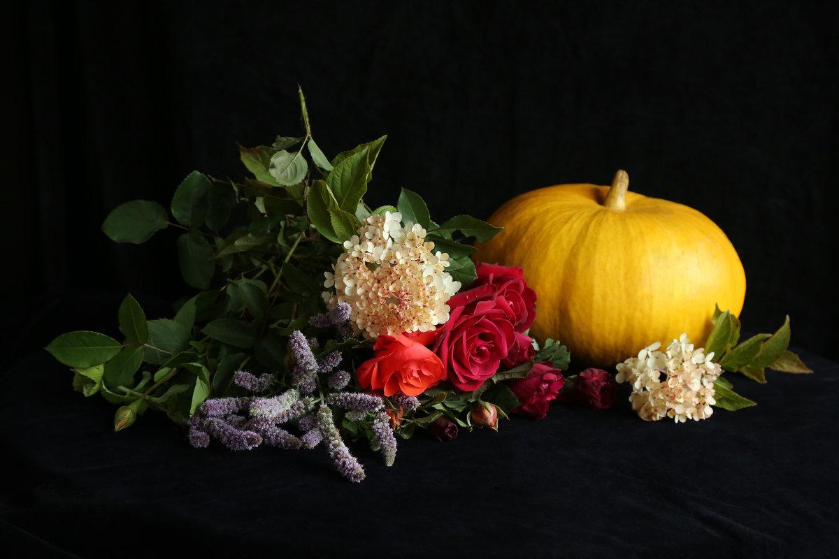 Тыква в цветах - Алёна Гершфельд