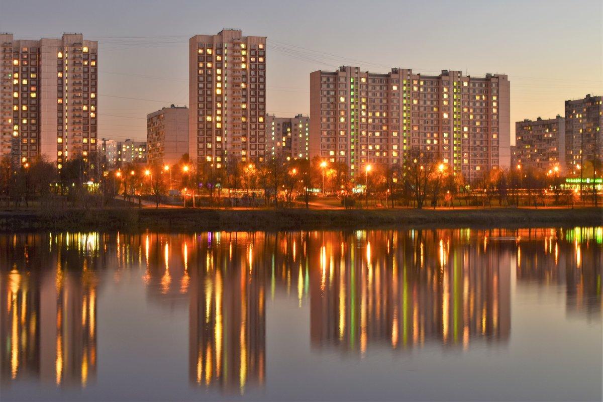 Сумерки над Москвой-рекой. - Татьяна Помогалова