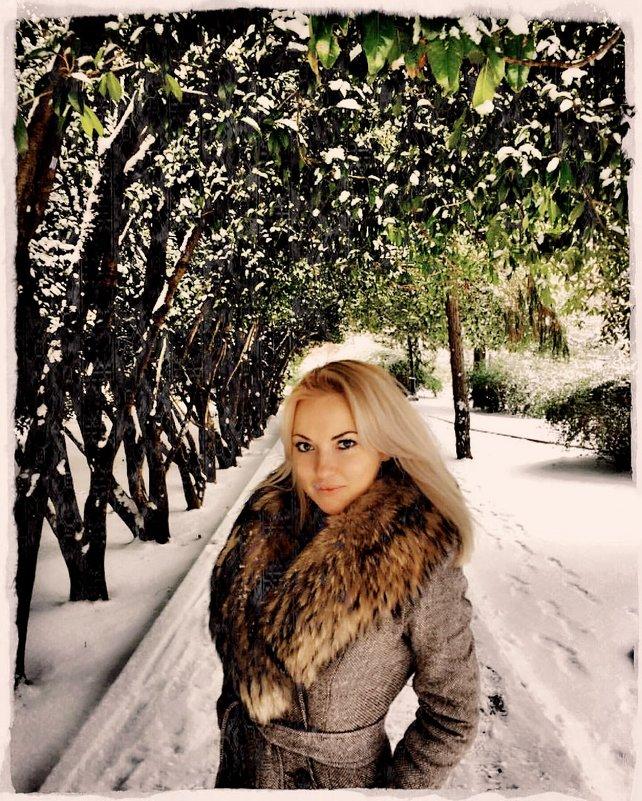 Красивая блондинка или зима в Сочи 2012 - Натали Пам