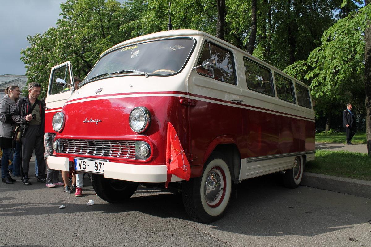 Микроавтобус РАФ-977 - Олег Денисов