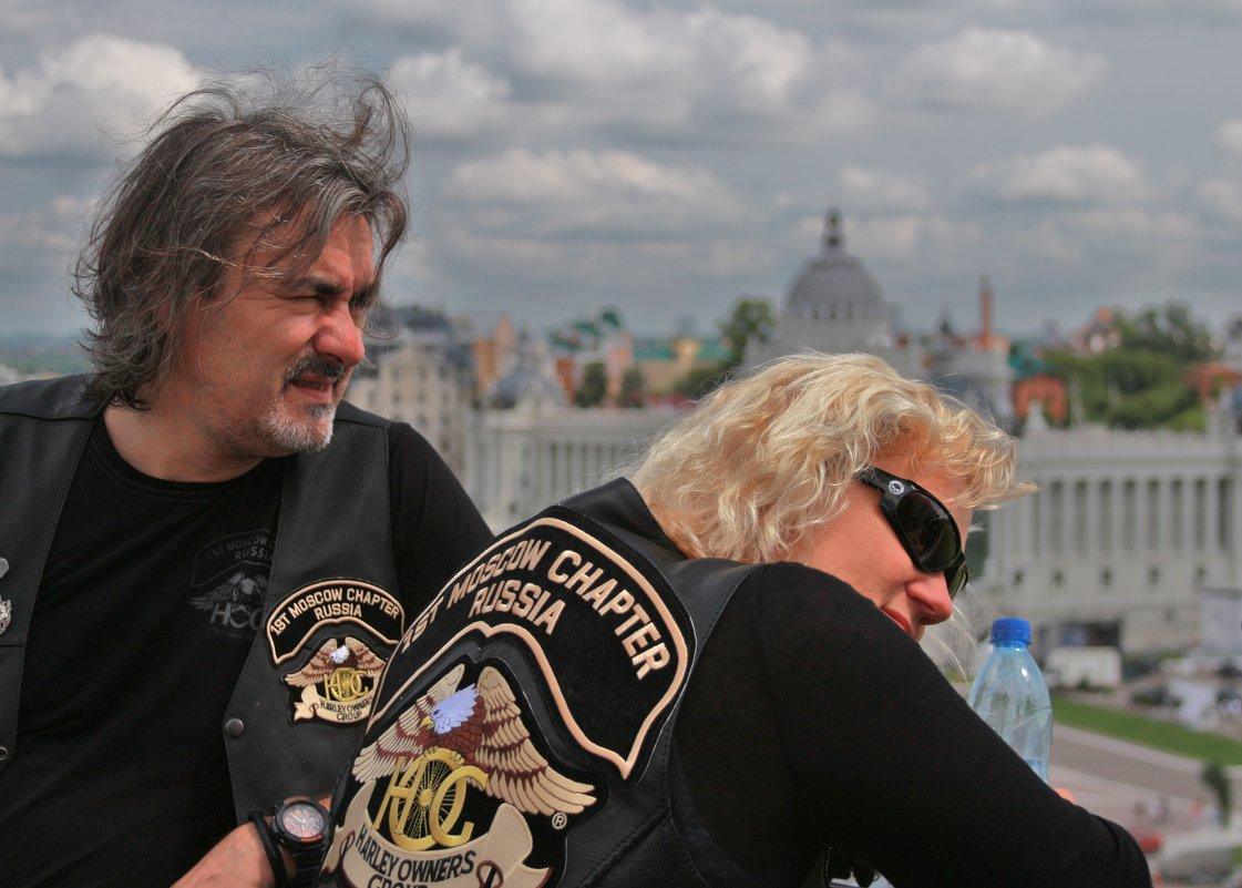 Московский байкер и его подруга - Алексей Мамаев