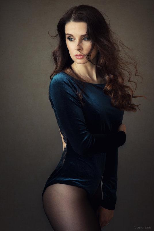 Lara - LEVAN TAVADZE