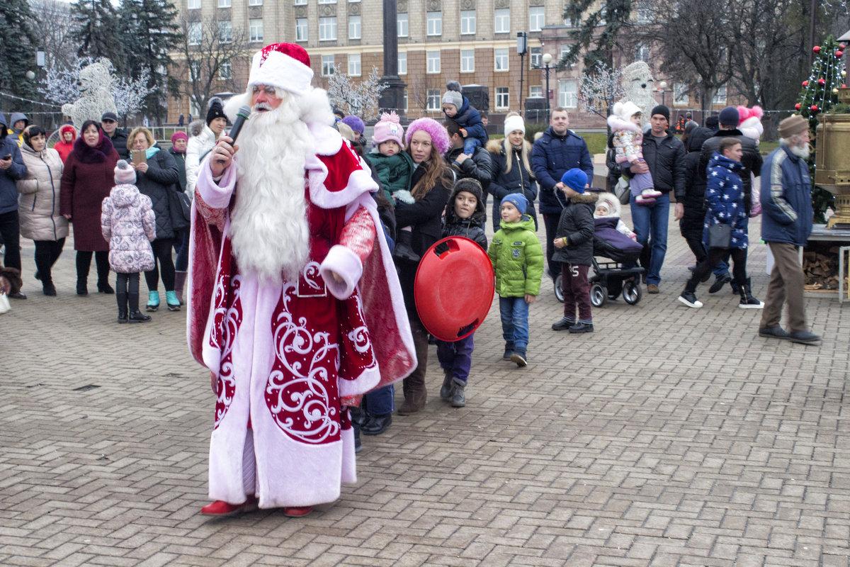 Дед Мороз и дети - Михаил Почкалов-Семченков