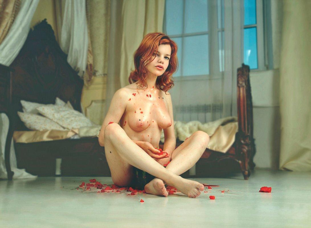 Маша ест арбузик.. - Андрей Хабаров