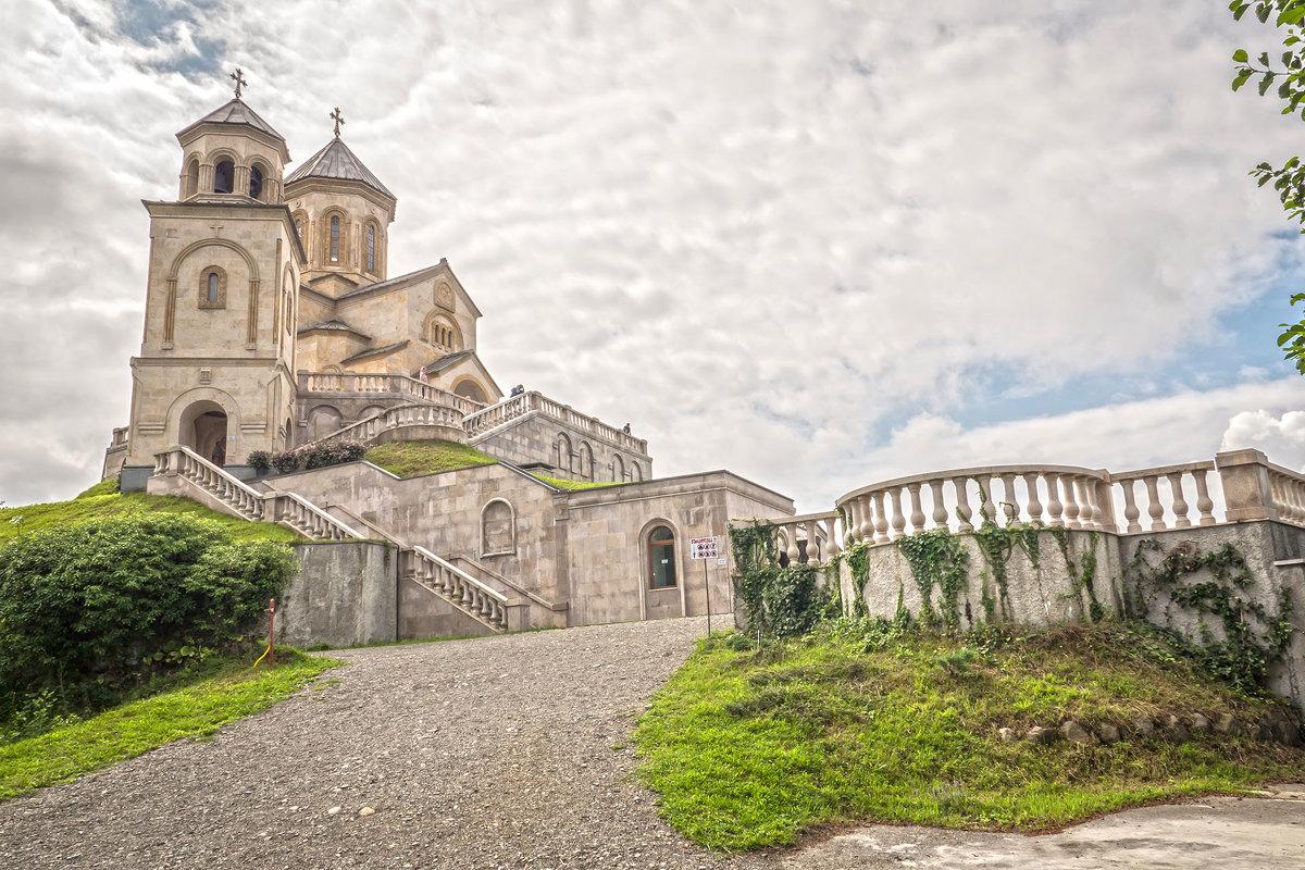 Храм святой Троицы на горе Самеба в Батуми - Василий Губский