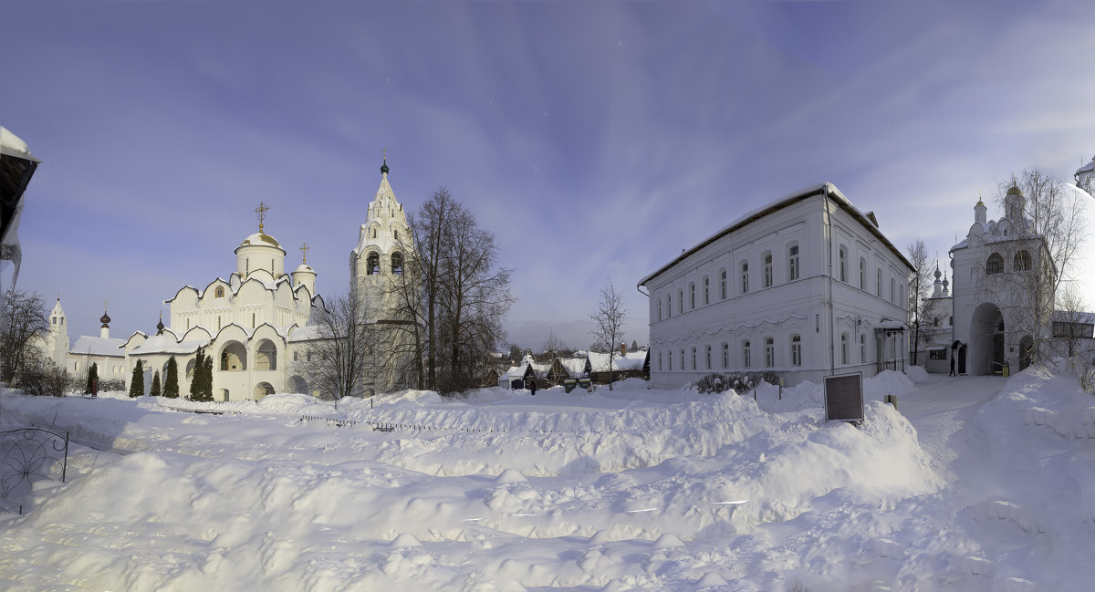 В Покровском монастыре - Александра