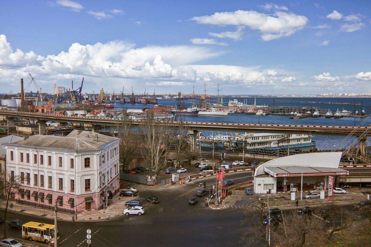 Взгляд с Тещиного моста на Одесский залив в апреле. - Вахтанг Хантадзе