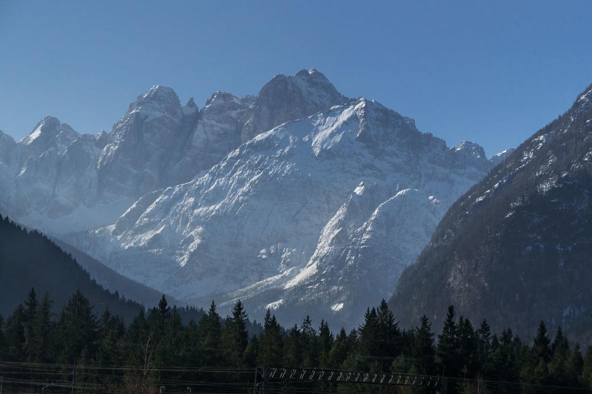 Из Италии в Австрию через Доломитовые Альпыудалитьредактировать - Надежда Лаптева