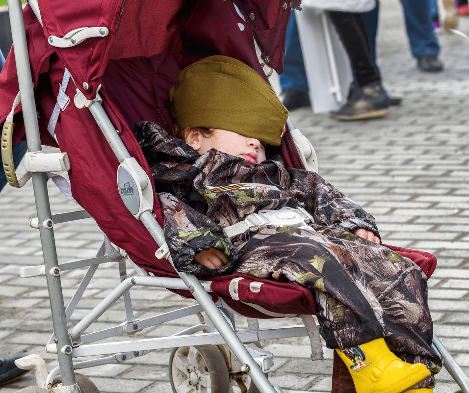 Солдат спит, служба идёт - alteragen Абанин Г.