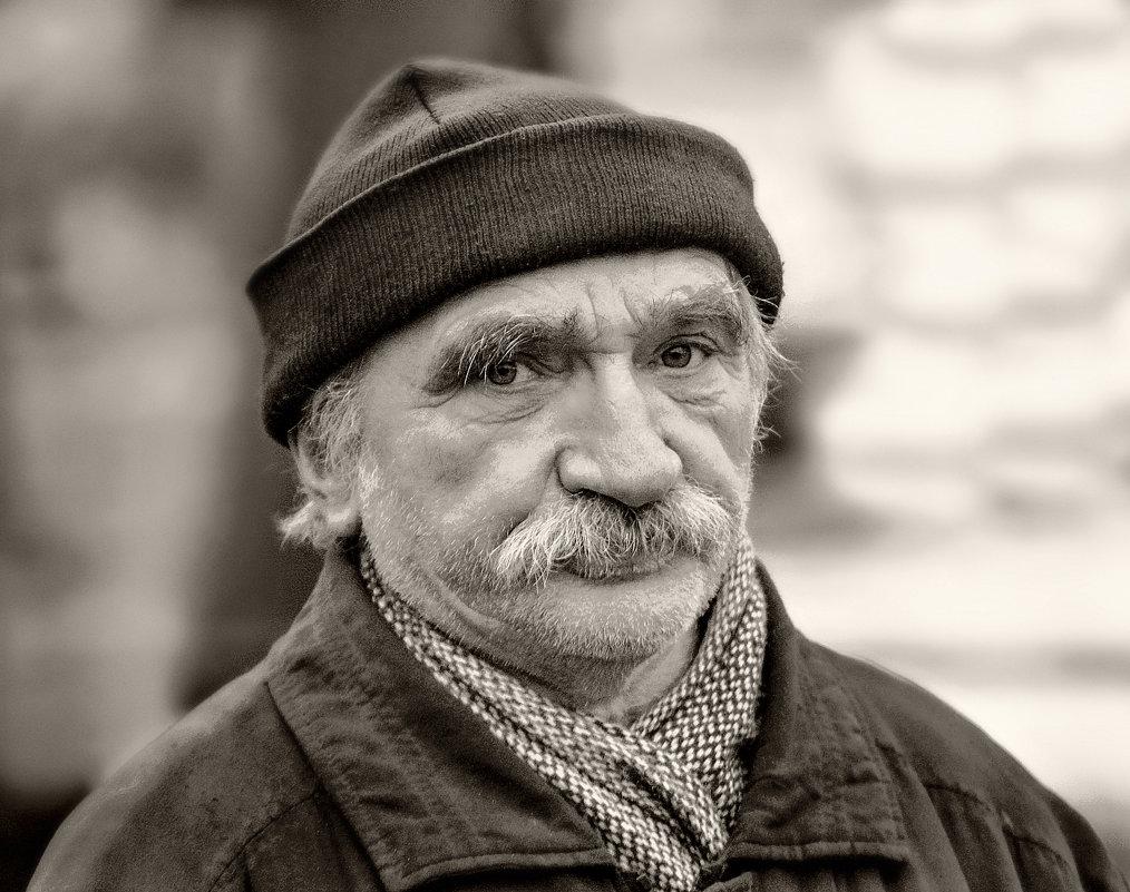 Простые люди... - Юрий Гординский