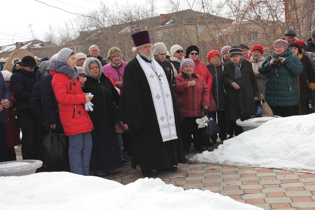 Митинг в память погибших в Кемерово. Упокой Господи души их - victor Lion