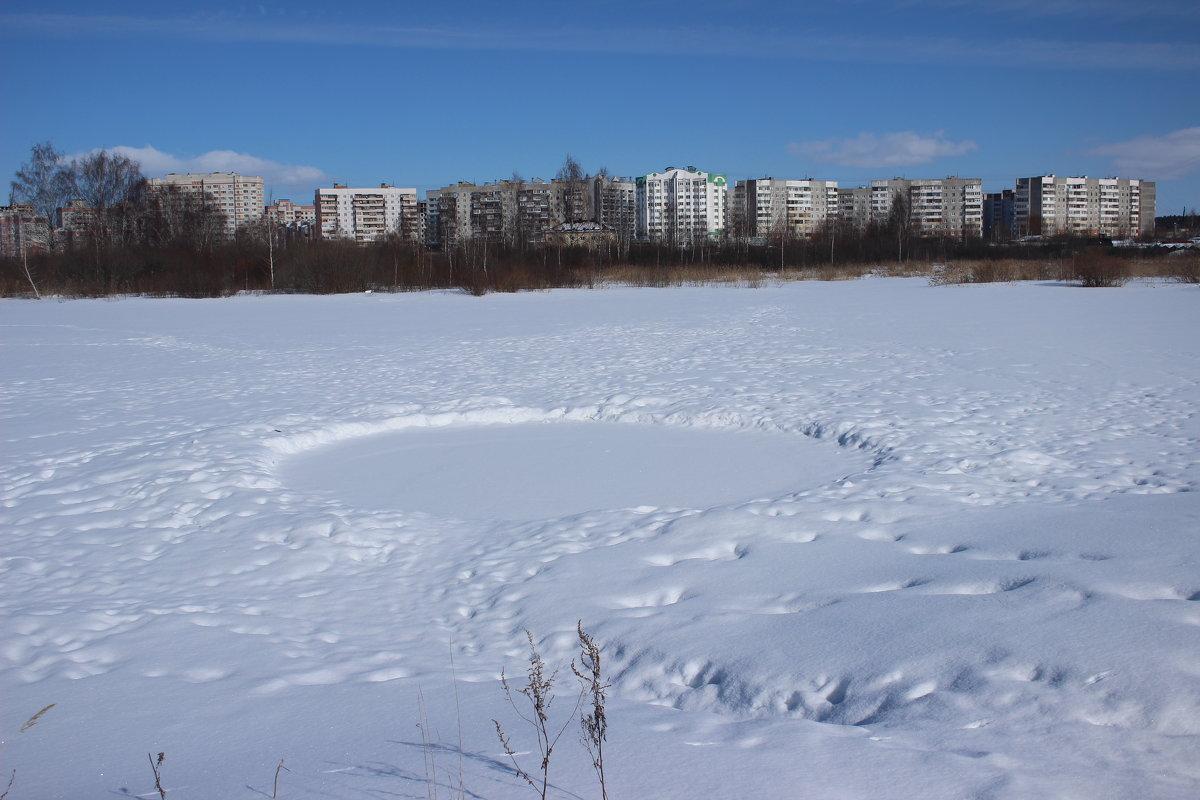 Что за странный круг на озере? - Ираида Мишурко