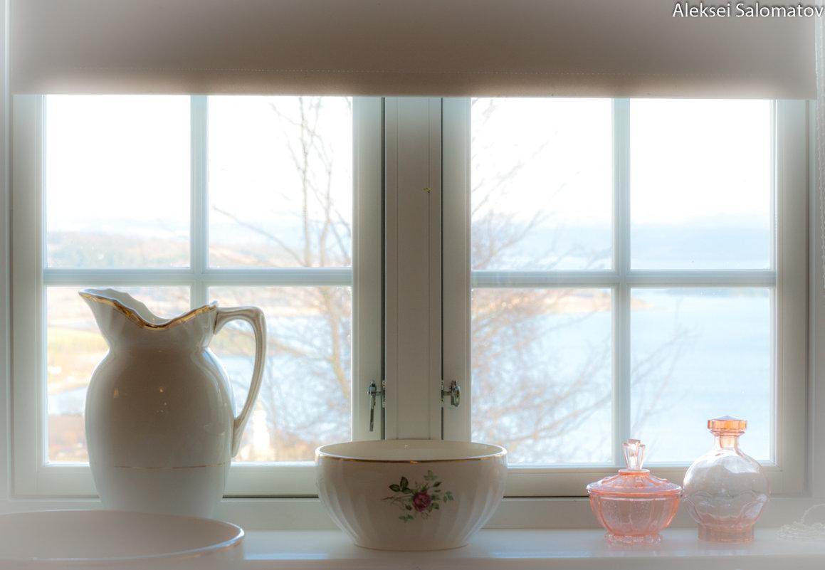 Натюрморт с окном - Алексей Саломатов