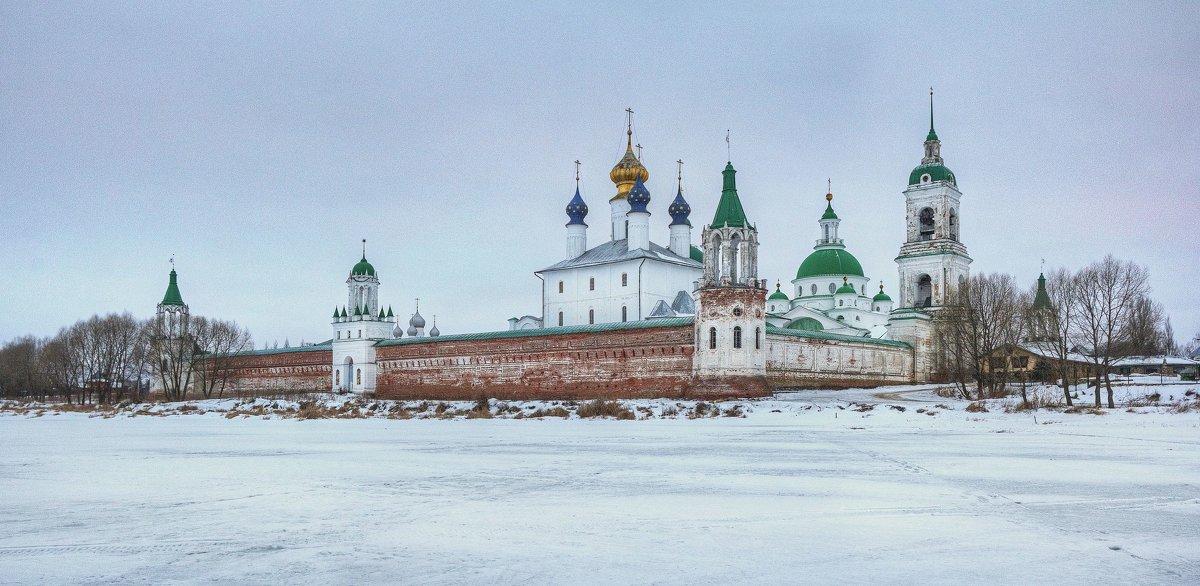 Спасо-Яковлевский Димитриев монастырь - Константин