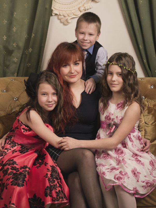Мама троих детей - Оксана Задвинская