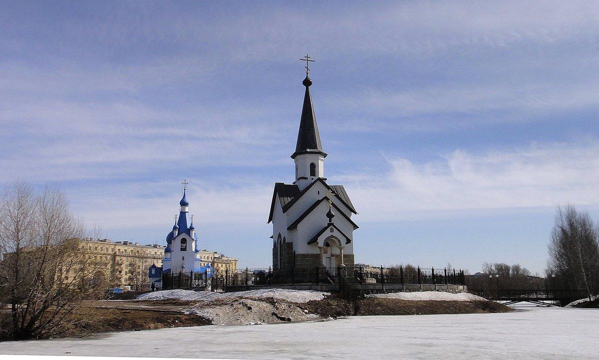 Церковь Рождества Христова, Церковь св. Георгия Победоносца - Елена Павлова (Смолова)