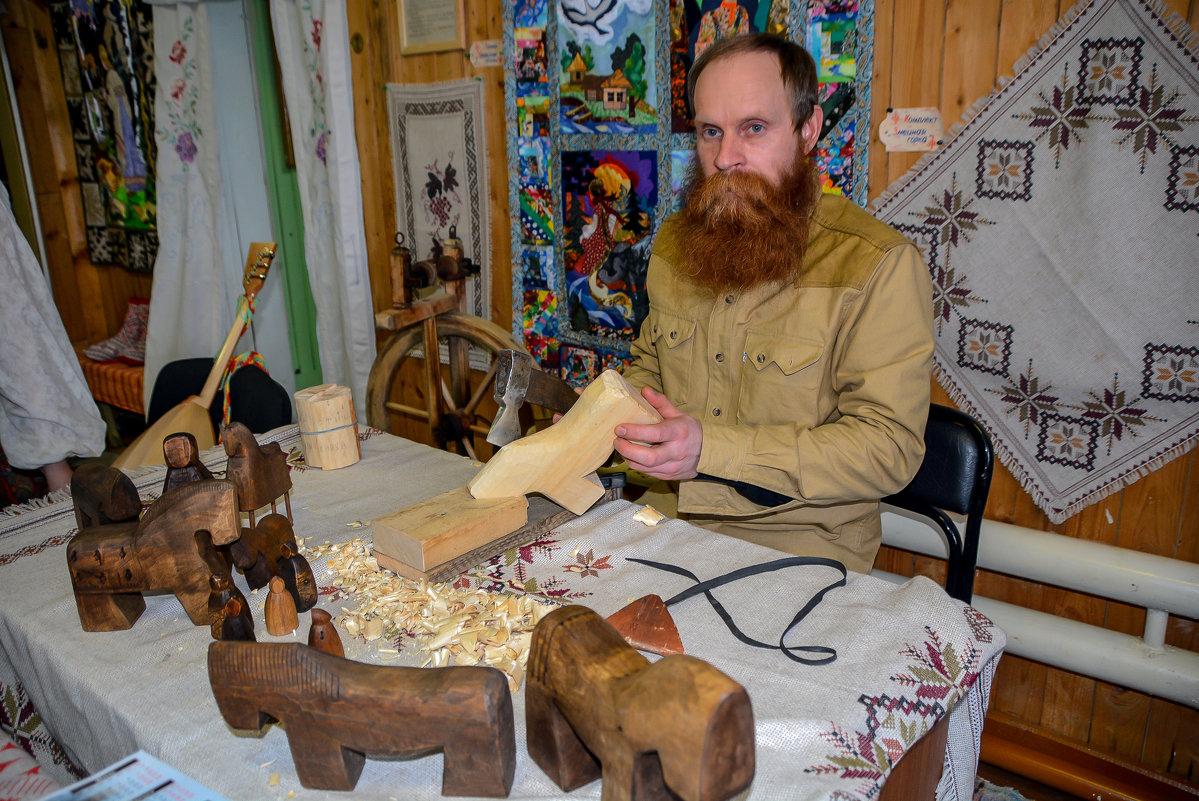 деревянных дел мастер - леонид логинов