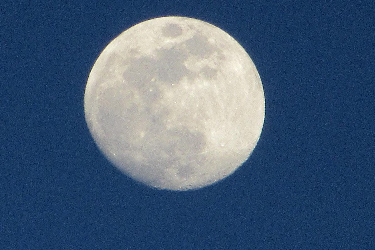Луна - Mariya laimite