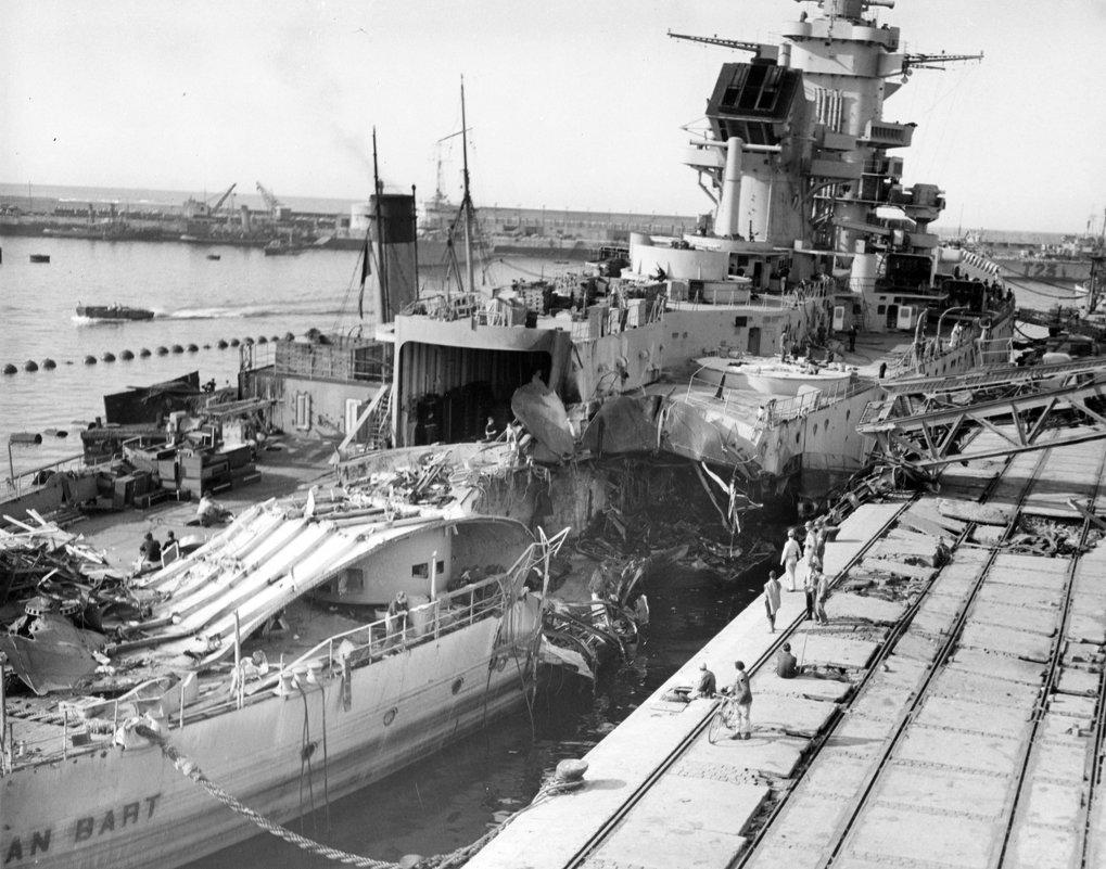 """Повреждённый линкор """"Jean Bart"""", после боя 8-10.11.1942 года. - Александр"""