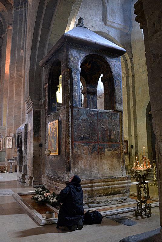 В XVII веке над могилой Св. Сидонии и Животворящим Столпом была установлена башня. - Anna Gornostayeva
