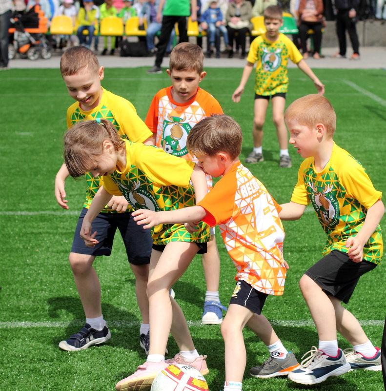 Турнир по детсадовскому футболу.Острый момент - Лидия (naum.lidiya)