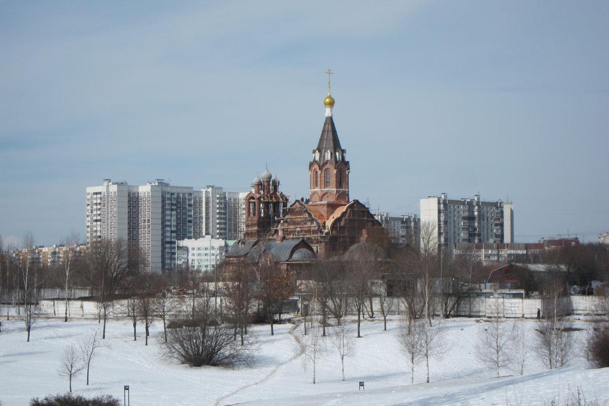 Строящийся храм - Людмила Монахова