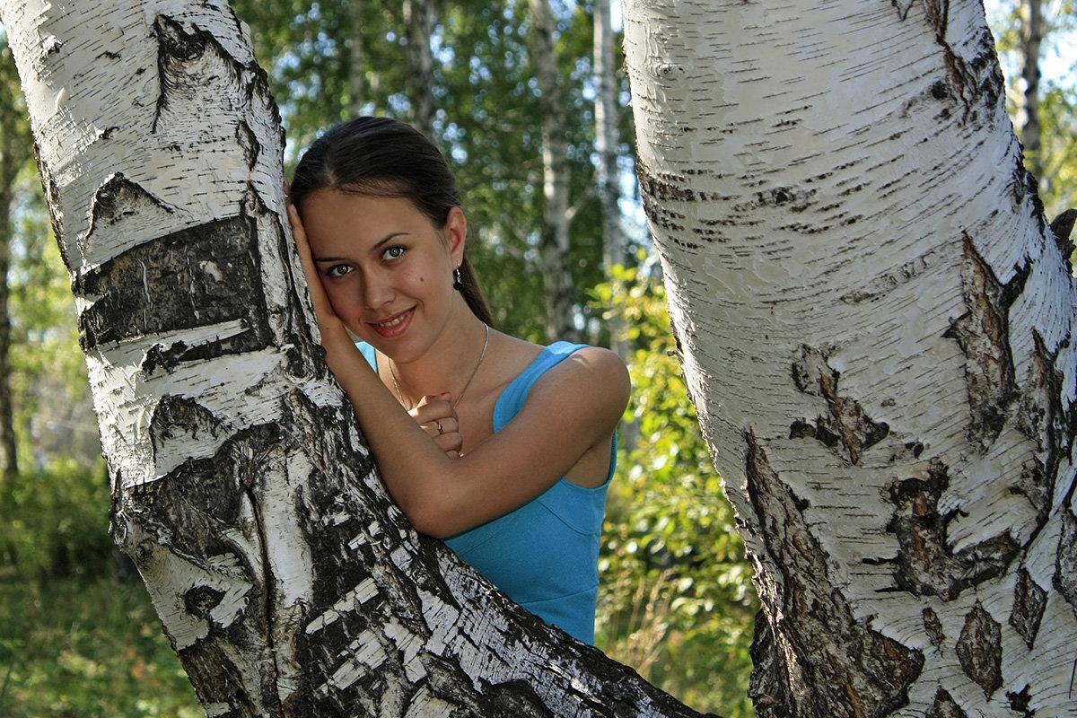 русская красавица у берёзки - Александр Иванов