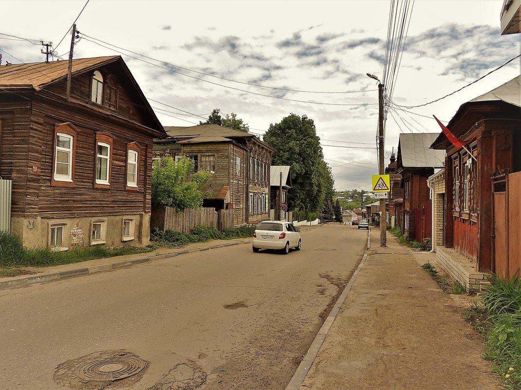 В городке провинциальном... - Вячеслав Маслов
