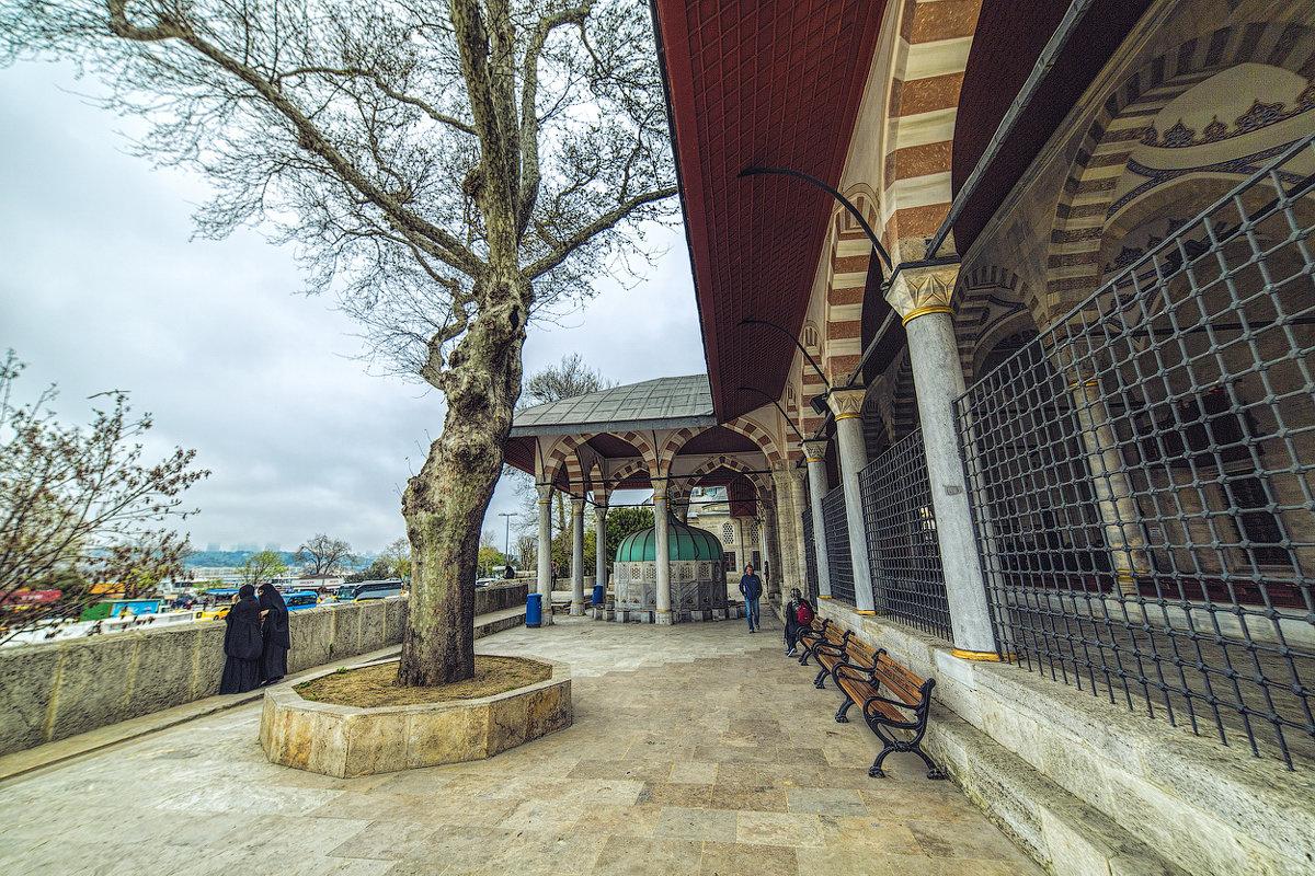 при мечети Михримах султан в Стамбуле - Ирина Лепнёва