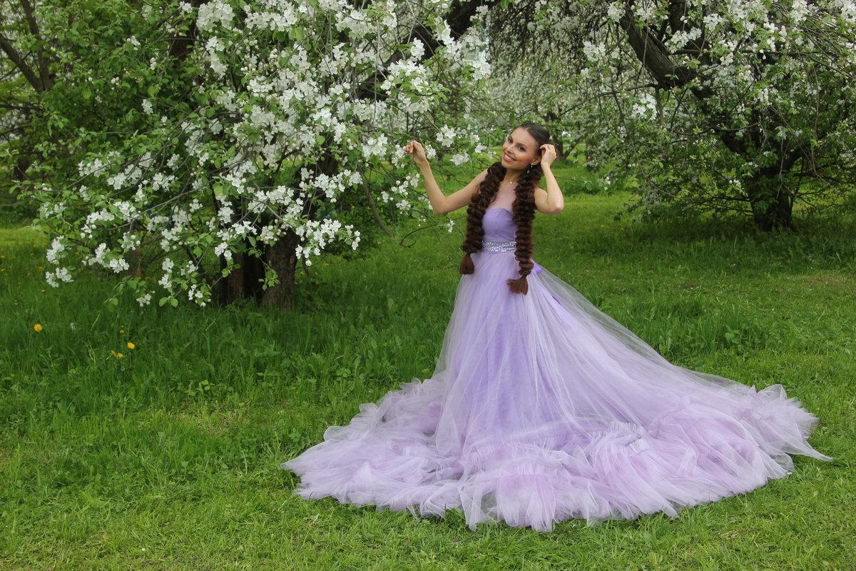 Яблони в цвету. - Александр Бабаев