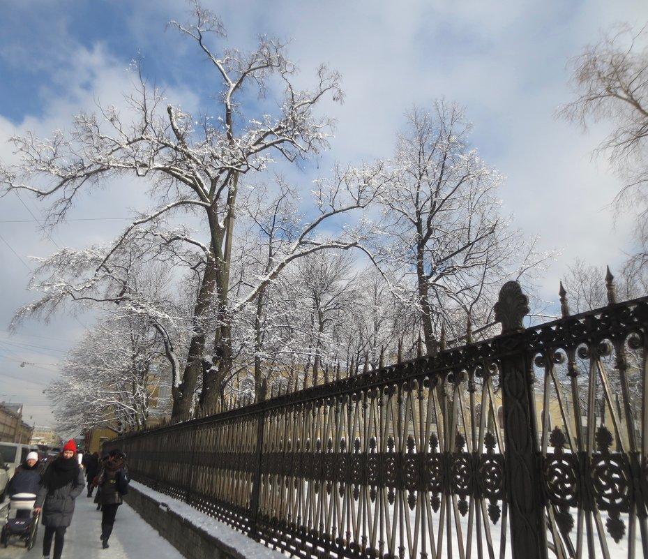 ограда Юсуповского сада - Елена